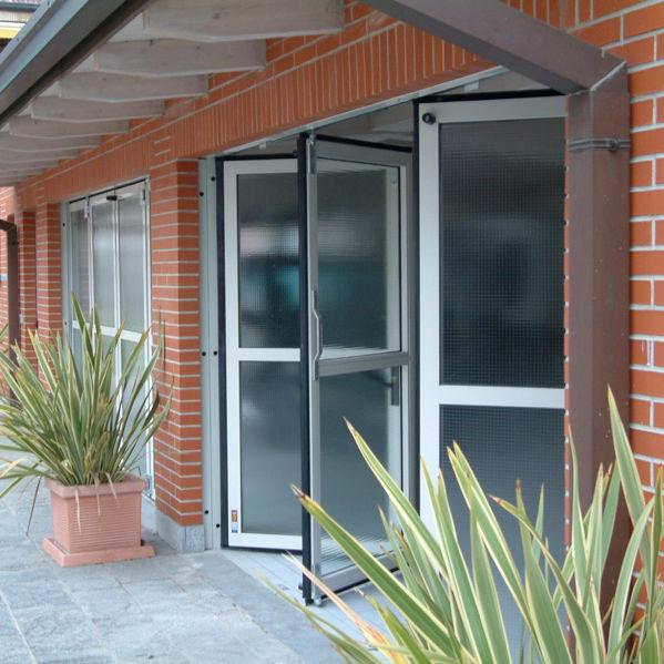 Puerta plegable / para exteriores / vidriada - PGJ LUX 3000 - SACIL ...