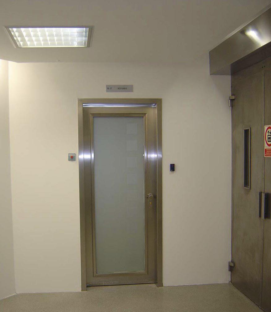 puerta abatible de vidrio de metal para interior vrf series