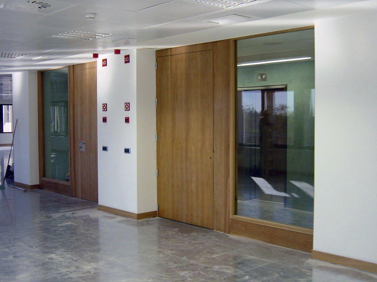 Puerta abatible / de vidrio / de madera / para interior - EI2-30-60 ...