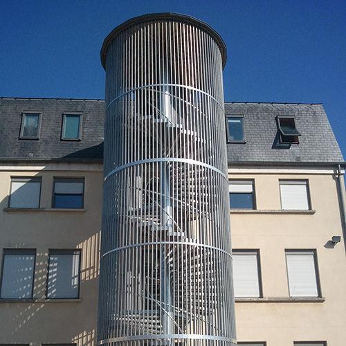 escalera de caracol metlica con barrotes de emergencia cage ecureuil