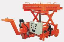Mesa elevadora de tijera / hidráulica / móvil / para manipular moldes