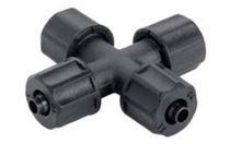 Racor para tubo flexible en cruz / neumático