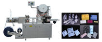 Máquina de termoformado alimentada por rodillo / para embalajes / automatizada / compacta