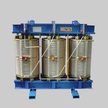 Transformador de distribución / seco / de baja pérdida / trifásico
