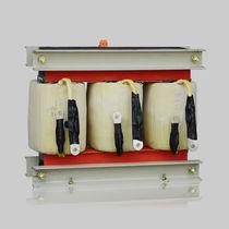 Autotransformador de alimentación eléctrica / encapsulado en resina / trifásico / de baja tensión