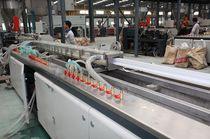 Línea de extrusión de tubos / de perfiles / para PVC / para PE