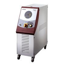 Controlador de temperatura con enfriamiento directo / con pantalla táctil / para canal caliente
