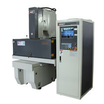 Máquina de electroerosión por penetración / CNC / para la fabricación de molde / compacta