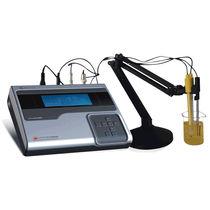 Analizador de agua / de sodio / de concentración iónica / de temperatura