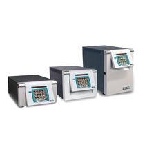 Controlador de temperatura con pantalla táctil / programable / para canal caliente / autoajustable