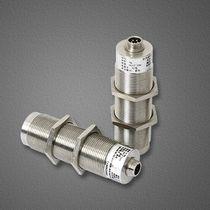 Transmisor de nivel por ultrasonidos / para líquido / para aplicaciones industriales / para la industria farmacéutica