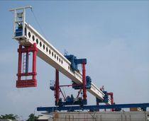 Lanzador de vigas para la construcción de puentes