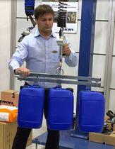 Elevador mecánico / para contenedor de plástico