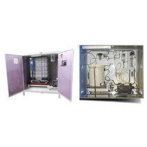 Sistema de dosificación de líquidos / para la industria alimentaria / con regulación de caudal