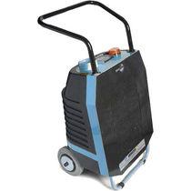Generador de ozono para el tratamiento del aire / móvil