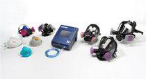 Aparato de prueba de estanqueidad / para aparatos respiratorios y máscaras