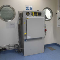 Autoclave de laboratorio / de carga frontal / de doble puerta pass-through