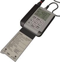 PHmetro portátil / de proceso / con pantalla LCD