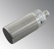 Sensor de proximidad inductivo / cilíndrico / IP67 / digital