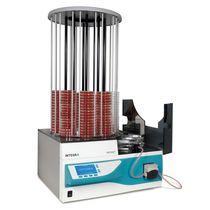 Distribuidor automático / de medios de cultivo / para placa de Petri