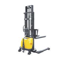 Apiladora semieléctrica / con operador a pie / con largueros de retención / antideflagrante