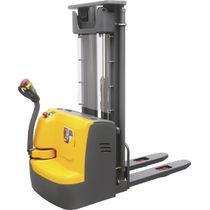 Apiladora eléctrica / con operador a pie / de transporte / para palés