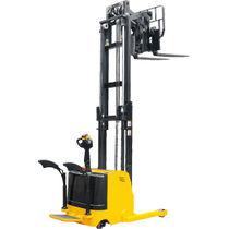 Apiladora eléctrica / con plataforma para el conductor / para conductor de pie / para almacén