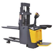 Apiladora eléctrica / con plataforma para el conductor / para palés / para almacén