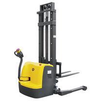 Apiladora eléctrica / con operador a pie / con largueros de retención