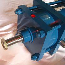 Cilindro neumático / de doble efecto / a medida / de acero