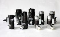 Tensor para tornillo hidráulico / para aerogenerador