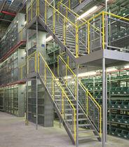 Entreplanta industrial con varios niveles / para palés