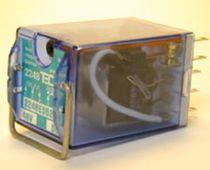 Relé electromecánico 6 V CC / enchufable