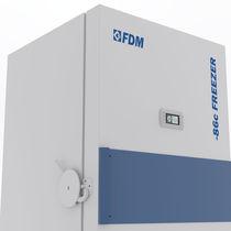 Congelador de laboratorio / de baja temperatura / vertical / ultra-baja temperatura