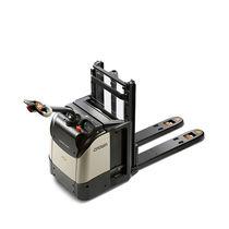 Apiladora eléctrica / con operador a pie / para almacén / para el transporte de 2 paletas a la vez