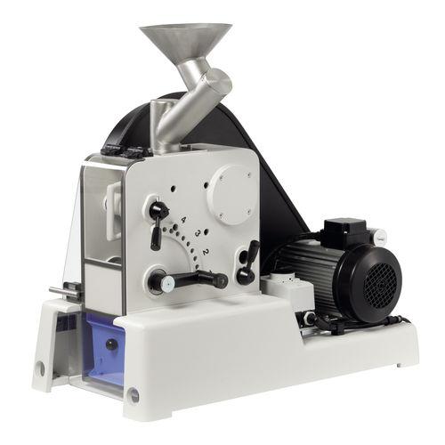 Machacadora de mandíbulas / estacionaria / para laboratorio max. 200 kg/h, 1 - 15 mm   PULVERISETTE 1 II classic line  Fritsch GmbH - Milling and Sizing