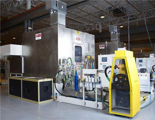 Célula robotizada desbarbadora FlexWasher™ series ABB Robotics
