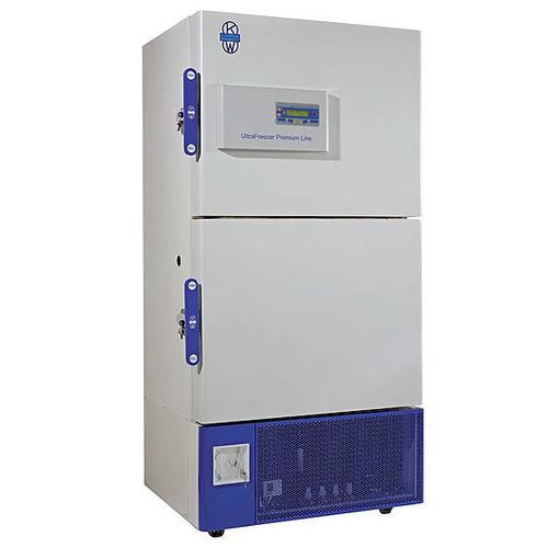 congelador de laboratorio / vertical / de ultrabaja temperatura / con puertas dobles