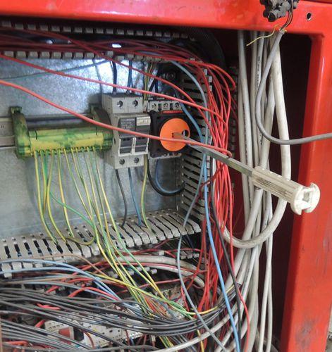 funda de protección / espiralada / para cables eléctricos / flexible