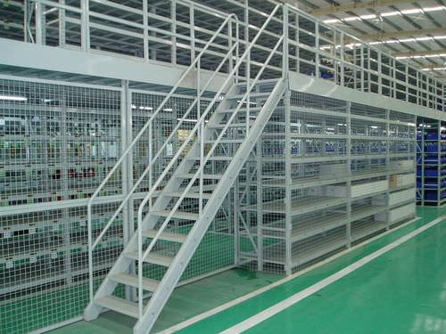 sistema de estanterías depósito de almacenamiento / para carga pesada / para archivo / con altillo