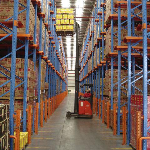 sistema de estanterías depósito de almacenamiento / para carga pesada / drive-in y drive-through de palés