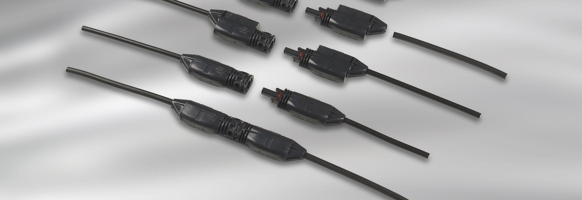 Los conectores de CC SOLARLOK 2.0 para paneles fotovoltaicos permiten una instalación rápida y fiable en campo