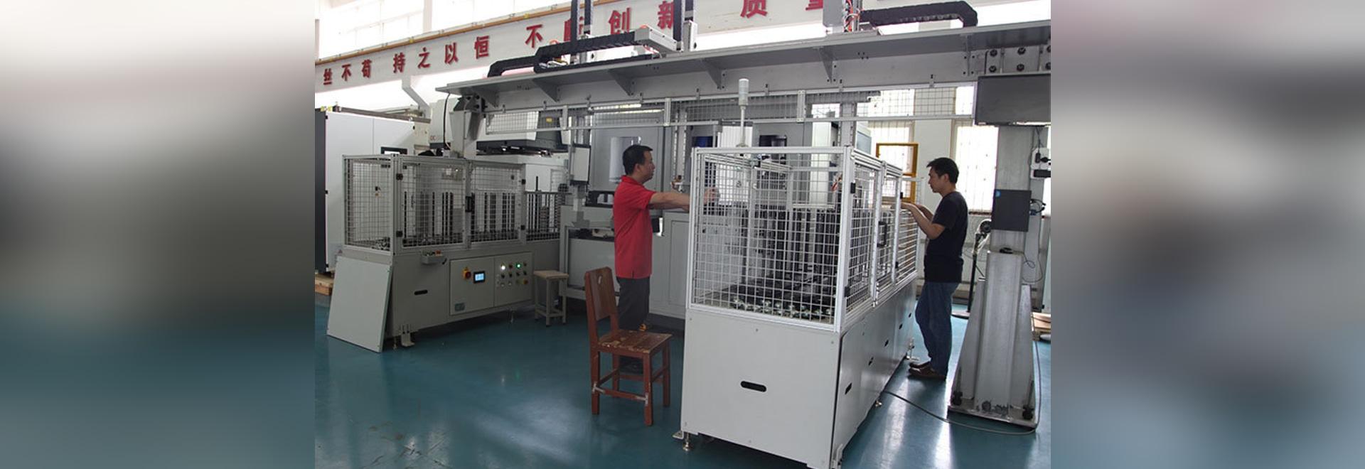 El equipo de soldadura automático de laser del engranaje de HANS GS-HC03 entregó suavemente