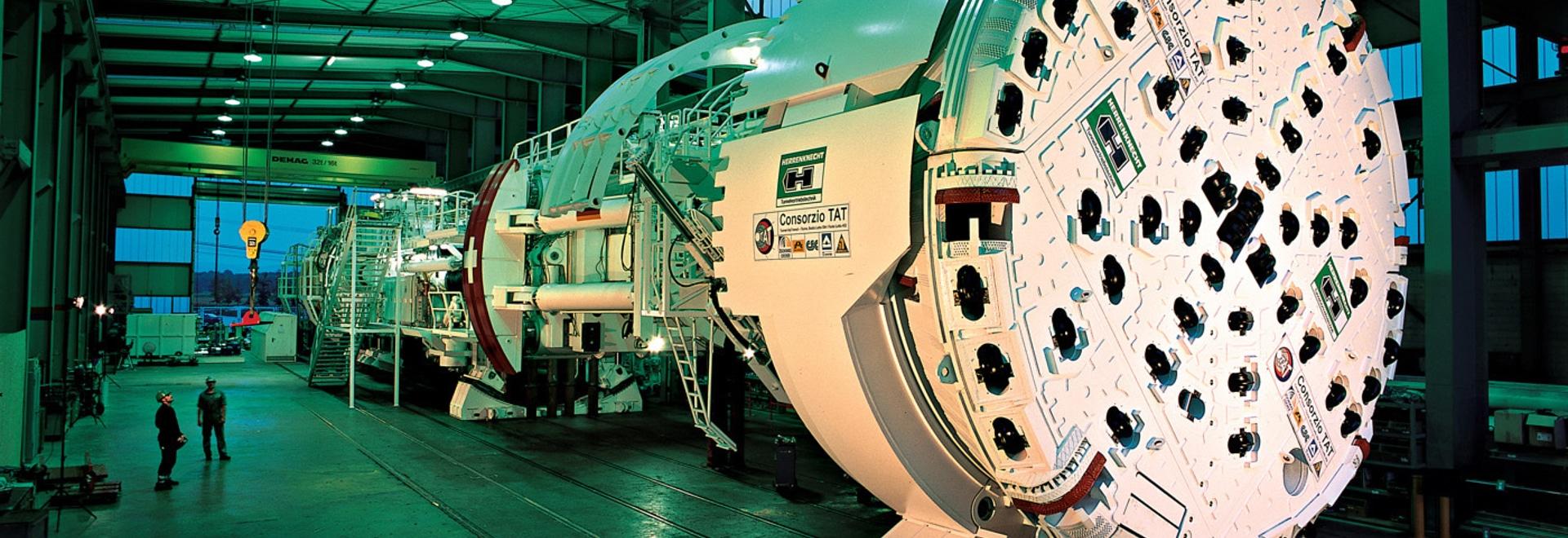 Los vendajes resistentes del VULKOLLAN® de RÄDER-VOGEL se están utilizando en la construcción del túnel de la base de Gotthard