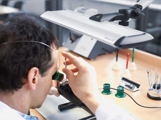 GmbH & Co. kilogramo, Schramberg, Alemania de Uhrenfabrik Junghans