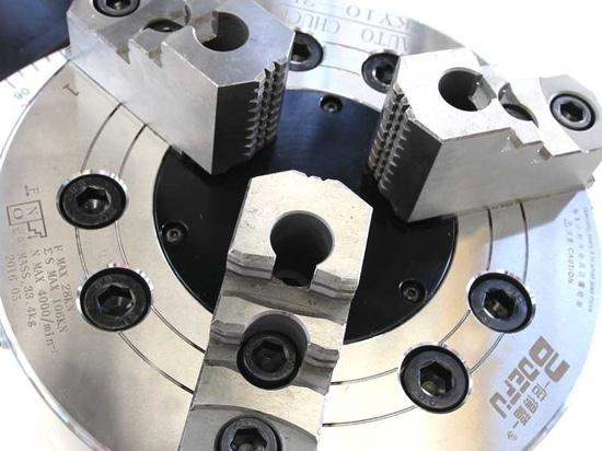 Máquina de equilibrio del eje neumático vertical