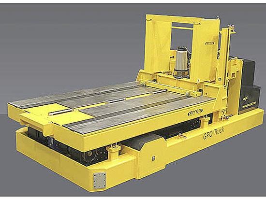 Apilador portaherramientas con una capacidad de 20 toneladas totalmente eléctrico.