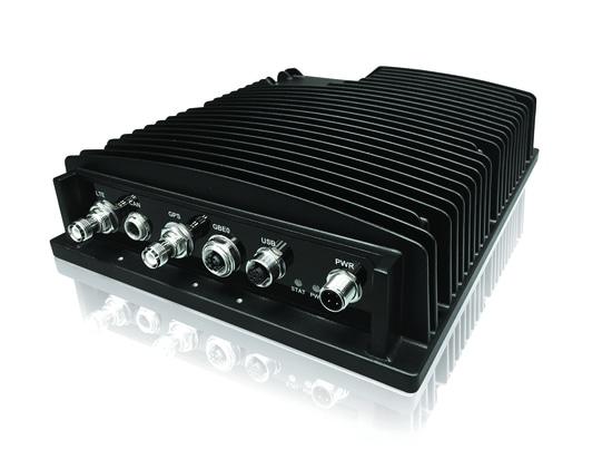 La entrada de Kontron EvoTRAC™ G102 entrega la conectividad de la brecha para los sistemas elegantes del en-vehículo de la siguiente generación
