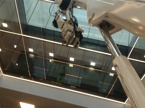Ragno XTJ 43/C en el trabajo en 20 Old Bailey, Londres