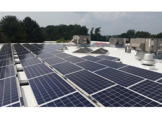 Fabricante Commits de la válvula a la energía sostenible con iniciativa solar